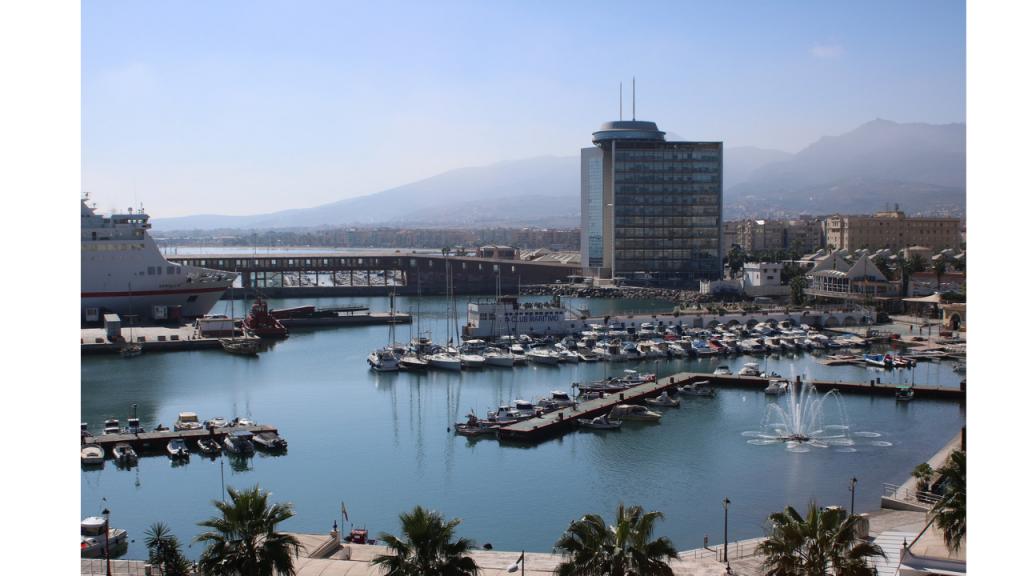 Vistas del puerto de Melilla, uno de los lugares seguros para viajar por España este verano, y por los datos el segundo más seguro